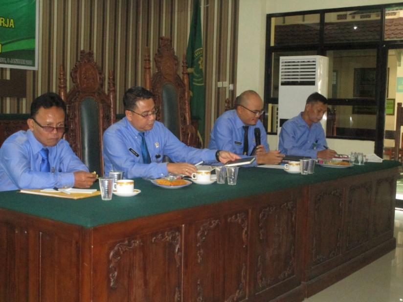 Rapat Bulanan, Pembinaan dan Pengawasan Pertama Bulan Januari Tahun 2020 Pengadilan Negeri Sintang