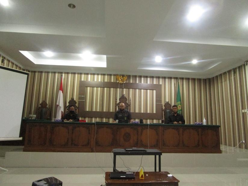 Rapat Bulanan, Pembinaan dan Pengawasan Bulan Juli Tahun 2020 Pengadilan Negeri Sintang