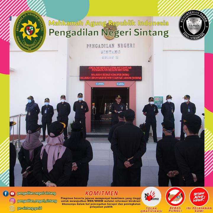 Pengadilan Negeri Sintang melaksanakan Apel Pagi Senin, 4 Oktober 2021